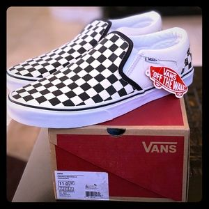Men's size 11 New never-worn checkered Vans in box